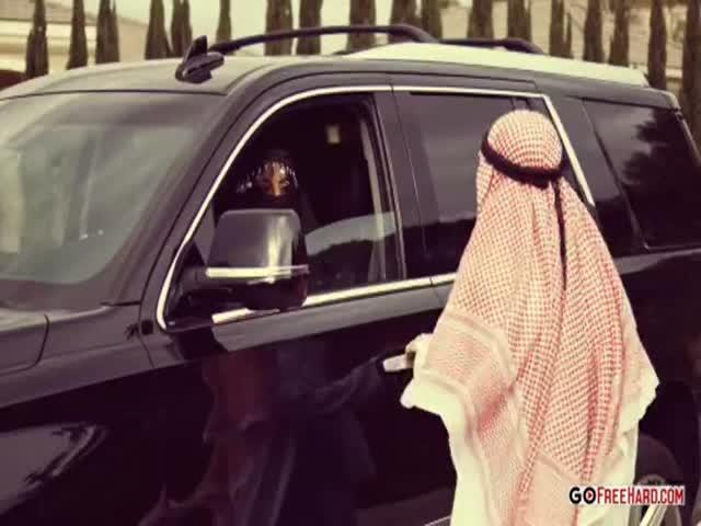 أمير خليجي ينيك ملكة جمال عربية بعنف فيلم سكس طويل | سكس خليجي