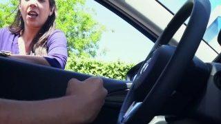 جلخ ونزول اللبن في السيارة امام المارة
